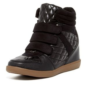 Report Leif Quilted wedge sneakers